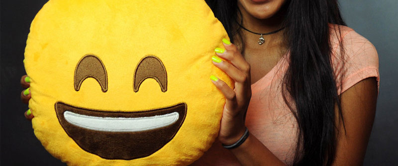 emoji-pillow